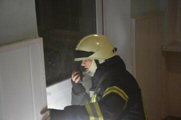 Пожар вспыхнул в роддоме Одессы, срочно съехались спасатели: кадры и что известно о пострадавших
