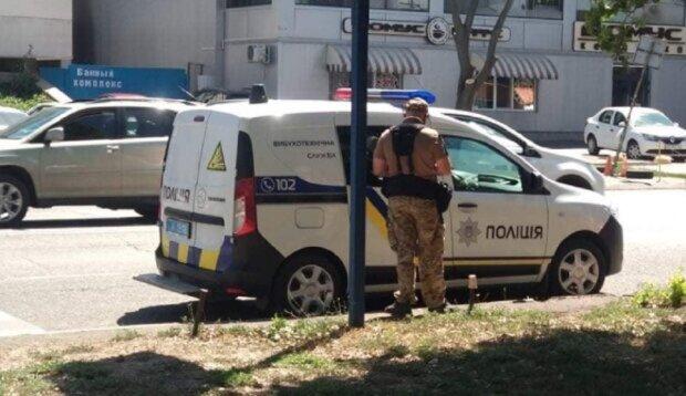 Екстрена евакуація людей в Одесі, з'їхалися вибухотехніки: перші подробиці