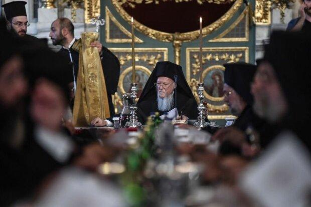 В России заявили о передаче приходов РПЦ Украине: «Нахамили Константинополю»
