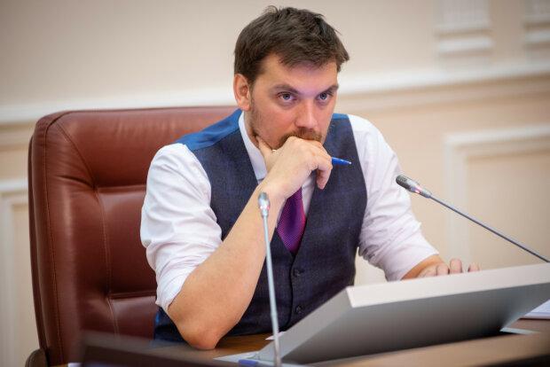 У Зеленського визнали провал Гончарука, готується масштабна рокіровка: кличуть екс-прем'єра