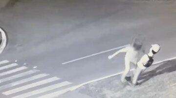 В Харькове полиция накажет хулигана, напавшего на манекен: что ему грозит