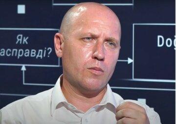 Український бюджет наповнюється з двох джерел: це зовнішні запозичення і підвищення податків, - Бізяєв