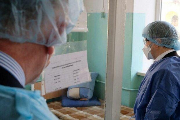 У Києві показали стан медиків, які борються з коронавірусом: дивитися без сліз неможливо
