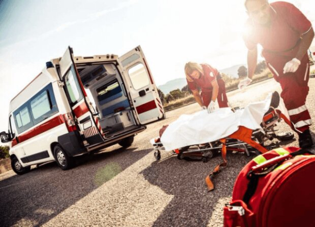 Автобус із уболівальниками потрапив у жахливу ДТП: кадри трагедії