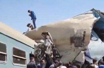 Потяги зіткнулися лоб в лоб, десятки загиблих: подробиці і кадри з місця НП