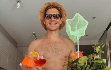 """Остапчук напідпитку і в плавках дав волю своєму """"бальнику"""", домашнє відео: """"Про наболіле..."""""""