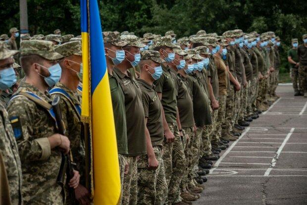 """Легендарна бригада повернулася після 7 місяців боїв на Донбасі, кадри: """"втратили 9 бійців"""""""
