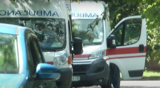 """""""Тяжкохворих багато"""": у лікарнях Харкова закінчилися місця для хворих вірусом, відео"""