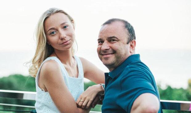 """Молоденька наречена Віктора Павлика проговорилася про зухвалий обман: """"Частенько ховаю від нього..."""""""