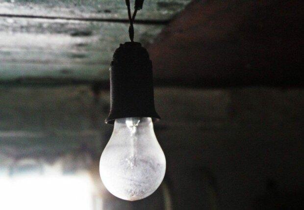 лампочка свет электричество электроэнергия УНИАН