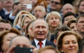 Это от безысходности, кол еще нужен: российские забавы с виселицей насмешили сеть