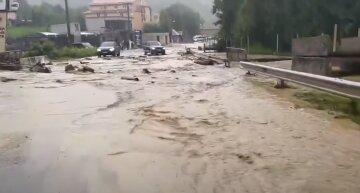 """Серьезная опасность надвигается на Украину, какие области под ударом: """"Смывает все на своем пути..."""""""