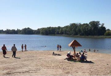 Вода на украинских пляжах опасна для жизни: где нельзя купаться