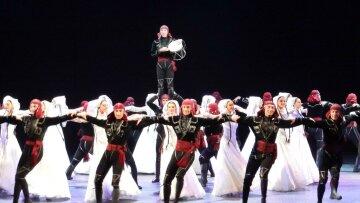 Соцсети шокированы «левитацией» грузинских танцоров в сердце Нью-Йорке (видео)