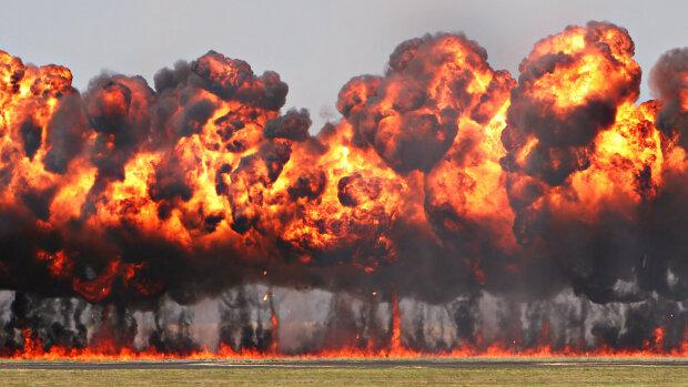 109847-Взрывы-огонь-дым-пыль-фон-30