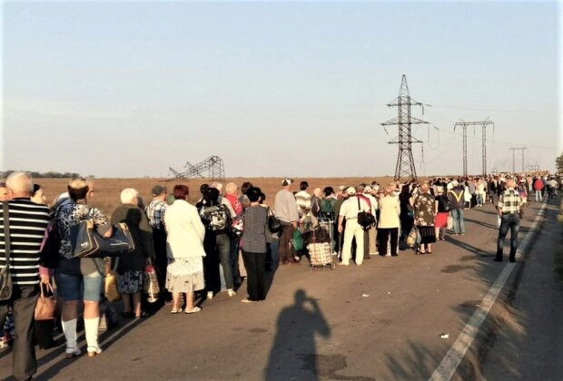 """""""Закрили в клітці"""": жителі ОРДЛО благають про пощаду, невдоволення окупантами досягло межі"""