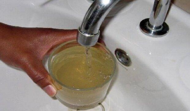 На Одесчине из кранов потекла опасная для жизни вода: известно где