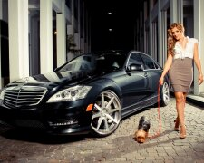 Женщина мажорка машина
