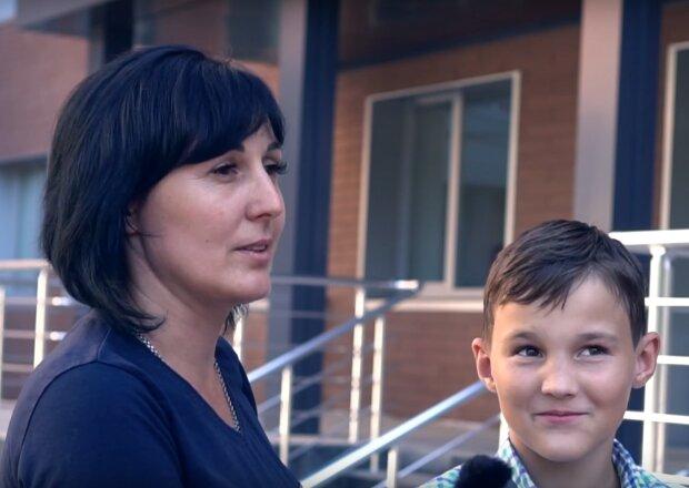 """Опубликовано первое видео мальчика, сбитого сыном кандидата в мэры Кривого Рога: """"У нас уже ничего не болит"""""""