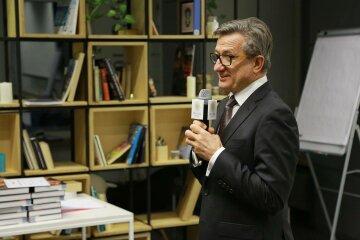 Тарута розповів, як без чиновників врятувати культурну спадщину України