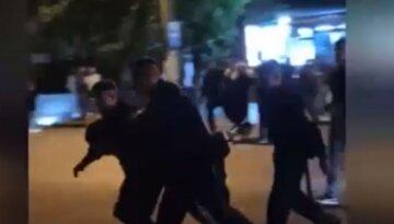 """""""У обох очі не відкриваються"""": у центрі Харкова сталася страшна бійка, деталі"""