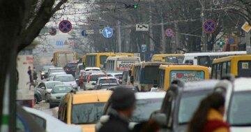 В центре Одессы перекрыли движение: что будет с общественным транспортом