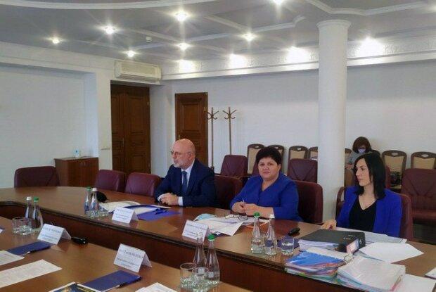 Відбулося засідання ВРК з визначення тих, хто отримав високе Звання «Сумлінних платників податків - 2019»
