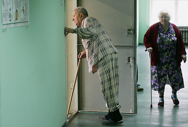 Больница-село-пенсионеры-медицина