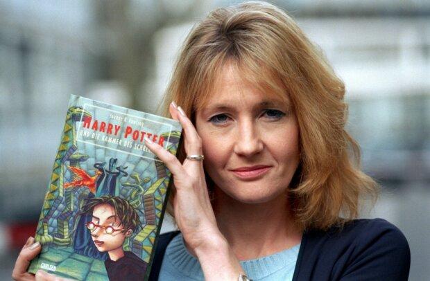 Автор Гарри Поттера займется обездоленными украинцами