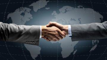 руки День работников дипломатической службы