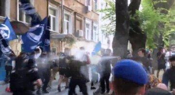 После беспорядков в Одессе задержаны десятки человек, среди них подростки: что им грозит