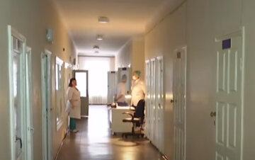 Вирус безбожно косит днепрян, область вышла на первое место по Украине: кто среди новых жертв