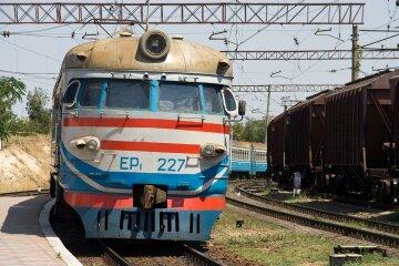 Крымская-железная-дорога-увеличила-количество-пригородных-поездов