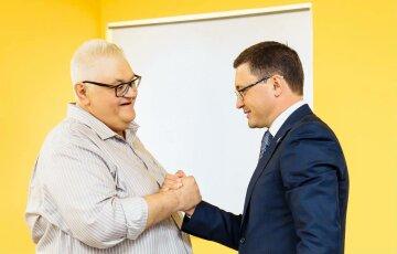"""Сивохо в Маріуполі представив проект гуманітарної стратегії возз'єднання України: """"Для всієї країни, не тільки для Донбасу!"""""""