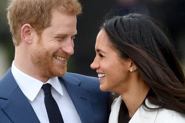 Елизавета 2-ая  отлучила отдвора принца Гарри