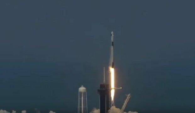 SpaceX й NASA відправили дітище Ілона Маска в космос: історичні кадри й всі подробиці