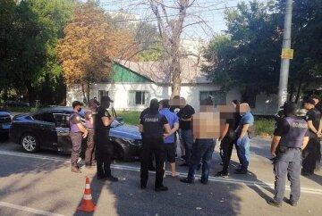 Стрілянина прогриміла поруч з кафе, п'ятеро людей поранені: перші подробиці трагедії