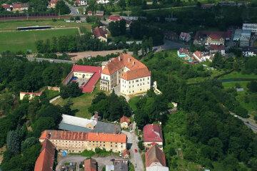 В каких дворцах живут украинские олигархи за рубежом (фото)