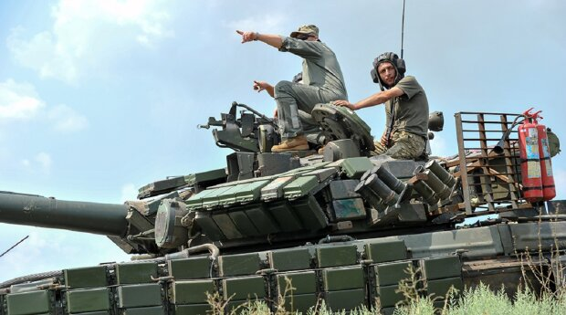 АТО война танк военные форма