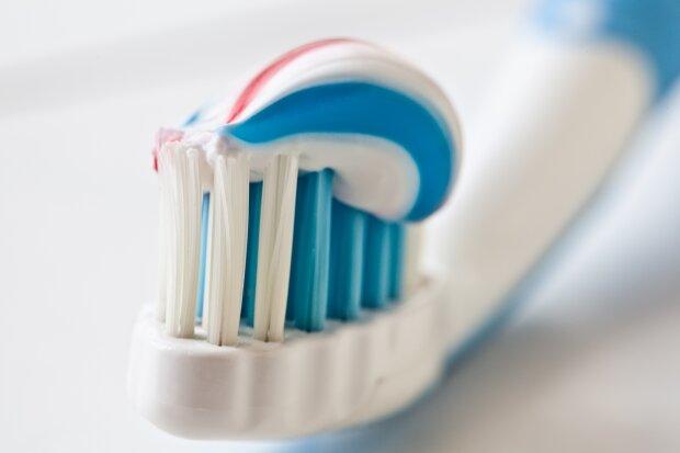 Ученые обнаружили вред зубных паст: «большая опасность»