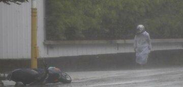 Жахливі наслідки тайфуну на Тайвані (фото) (відео)
