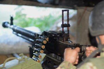 Масовані обстріли на Донбасі: бойовики поливають вогнем позиції ВСУ, є поранений