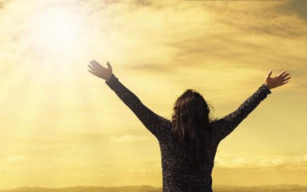 Удача улыбнется троим знакам Зодиака уже в марте:  кого ждет успех