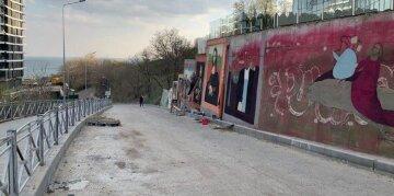 """Одесситов восхитила необычная галерея под открытым небом, фото: """"Сильно придумано"""""""