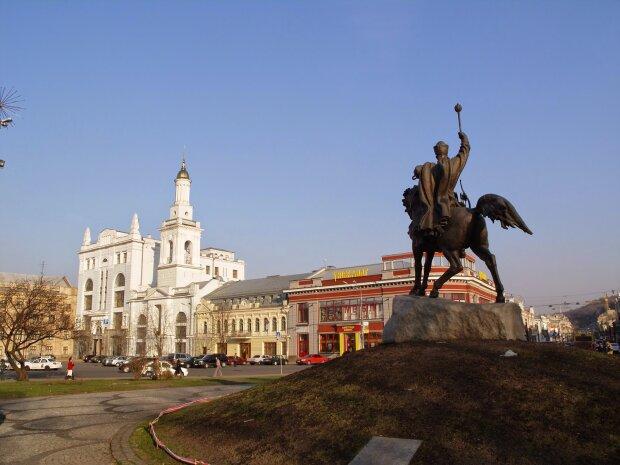Украина,_Киев_-_Контрактовая_площадь