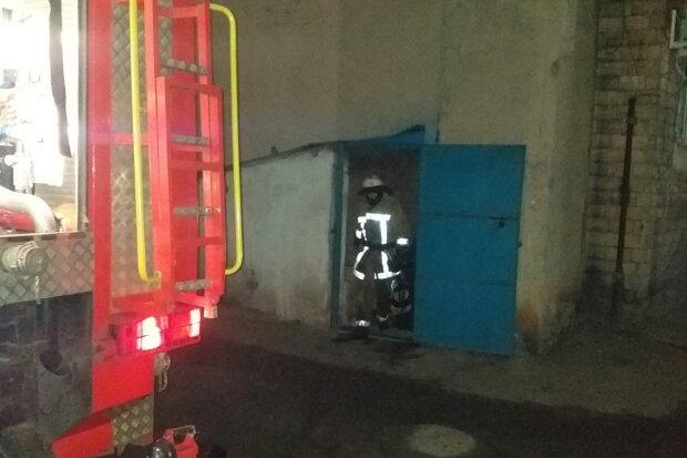 НП під Харковом: людей масово евакуювали з кінотеатру, фото з місця події