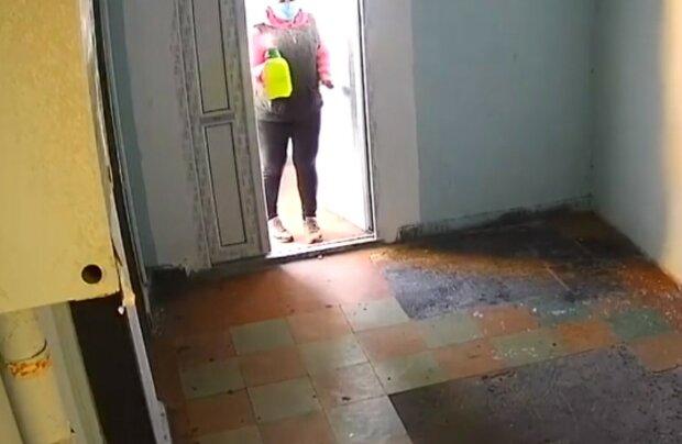 «І так зійде»: в мережі показали, що творять комунальники Кличко в під'їздах Києва