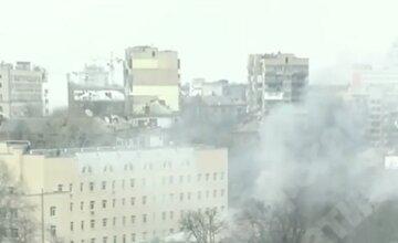 ЧП возле Александровской больницы в Киеве, огромный столб дыма повис над городом: первые кадры