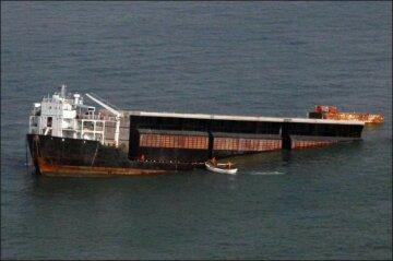 баржа, лодка