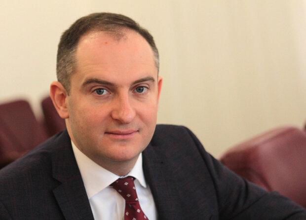 Жодних обшуків у голови податкової Сергія Верланова не проводиться, - ДПС